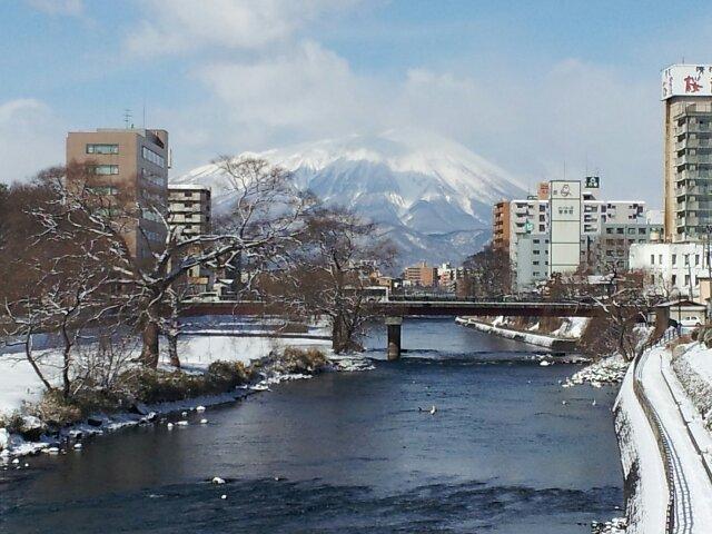 雪景色岩手山